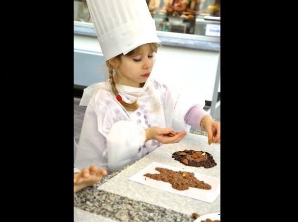 """Chocolate workshop has been created especially for our little chocolate lovers. Don't let them miss the unforgettable experience."" Fotograf: Puzzle Cube"